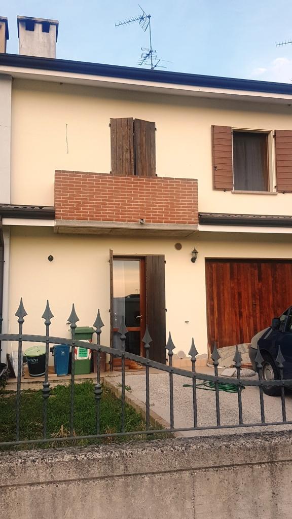 Villetta a schiera a Suzzara (frazione)