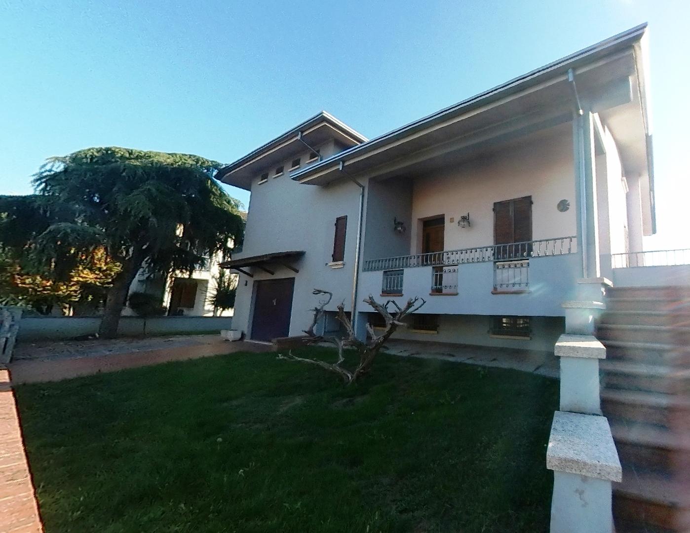 Villa singola a 3 Km da Suzzara